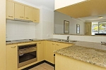 Kirra Apartments Kitchen