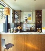 Best Western Tudor Bar