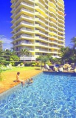 Surfers Beach Side Apartments Pool
