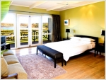 Cliff Top Boutique, Ocean View 4 Master Bedroom