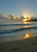 Sunrise over Kewarra Beach
