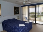capricornia broadbeach bedroom