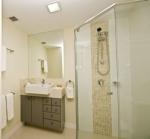 Pavilions Palm Beach bathroom