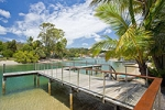 Private Jetty (Boat Moorings Free). Perfect for that glass of Champagne and relaxing.
