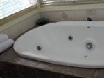 Tamborine Gardens Cottage Spa Bath