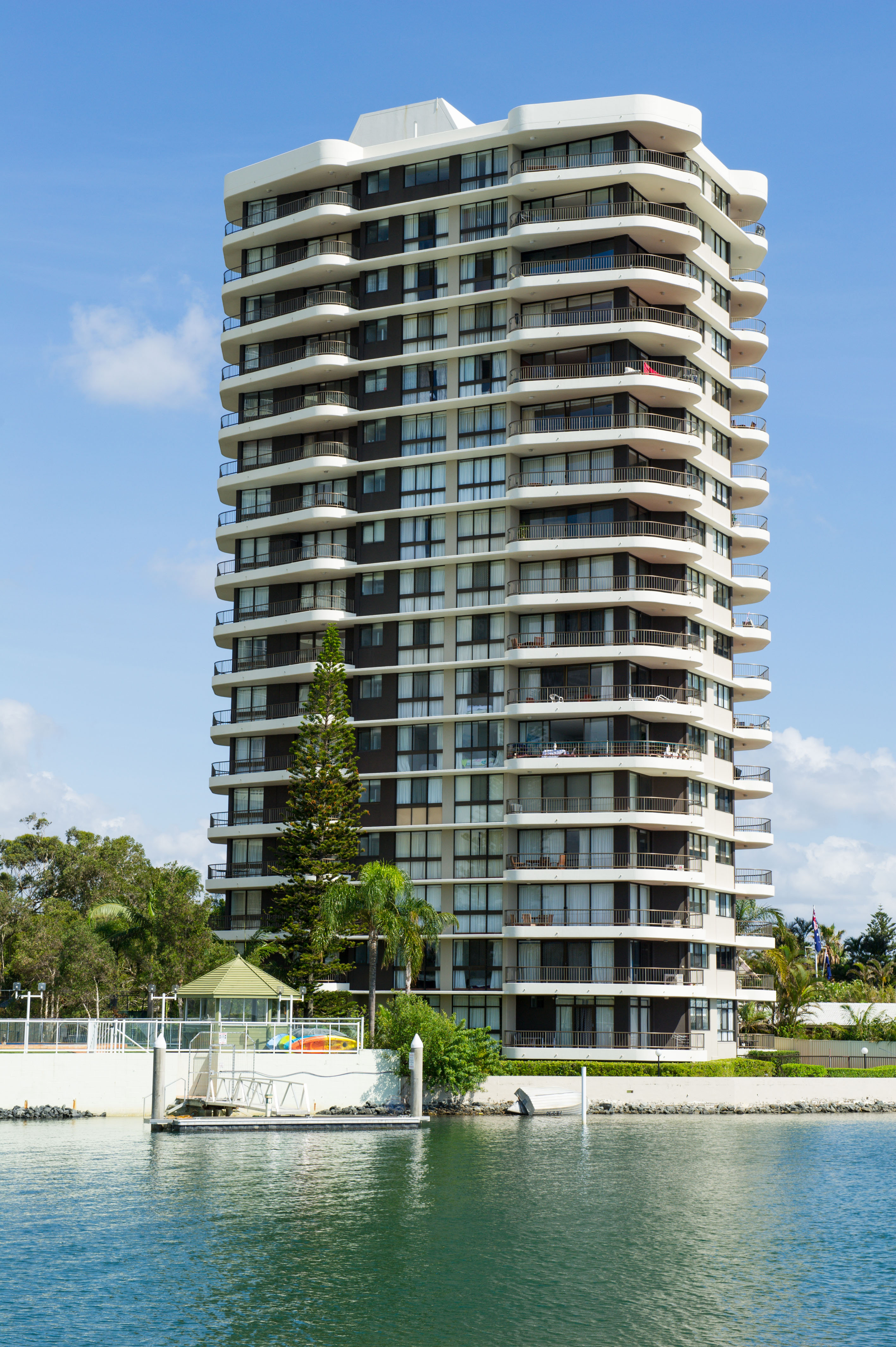 broadwater shores building