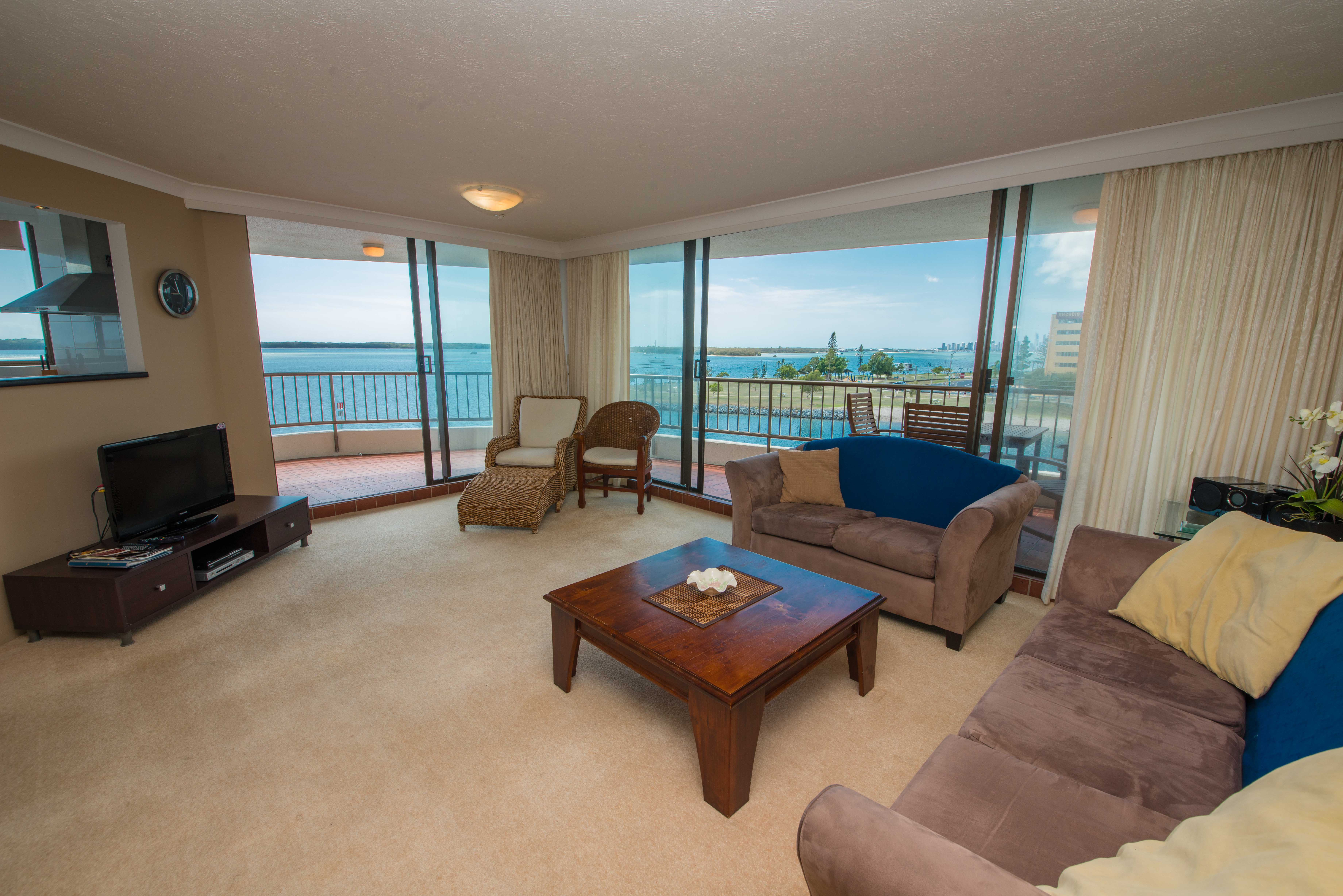broadwater shores 2 bedroom lounge