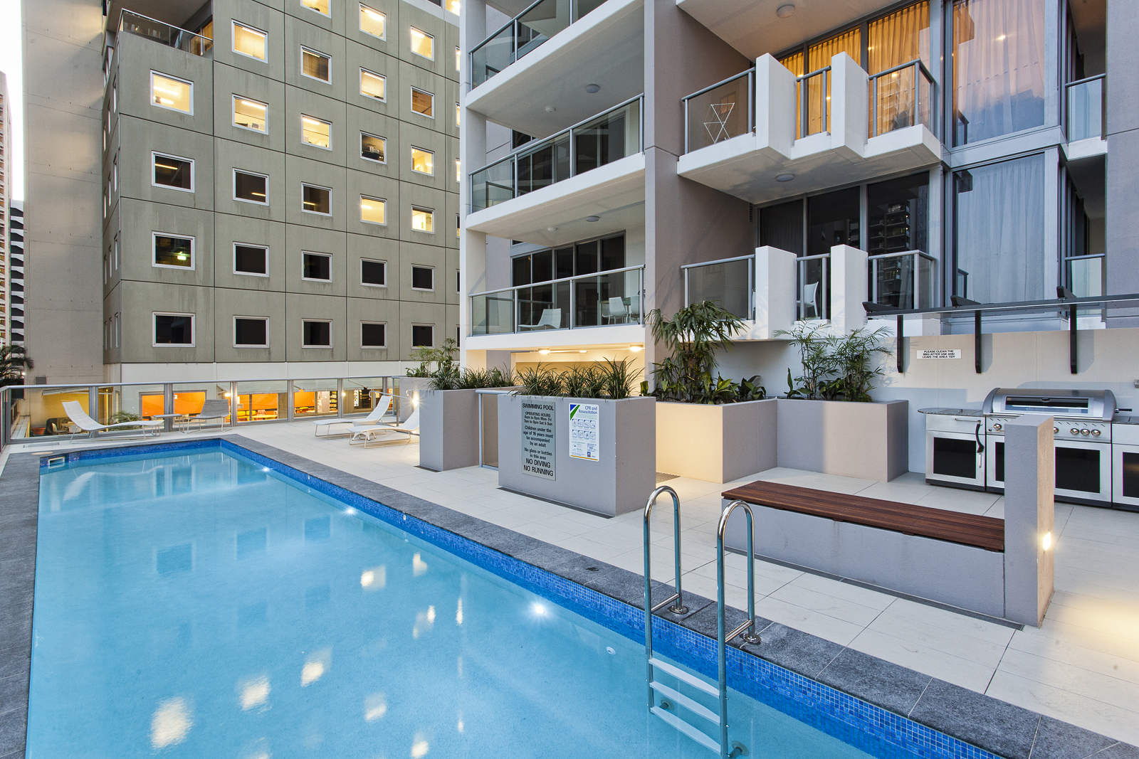 Midtown Apartments - Podium Outdoor Pool