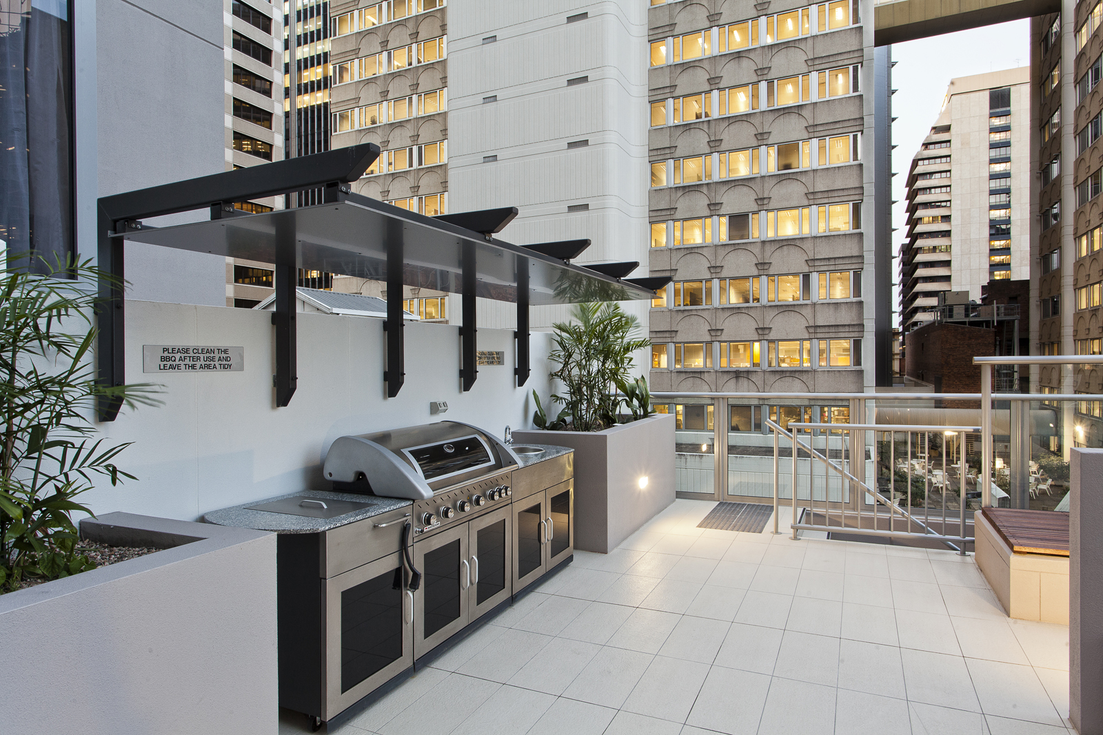 Midtown Apartments - BBQ Area