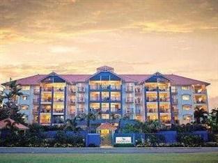 Nort Cove Waterfront Suites