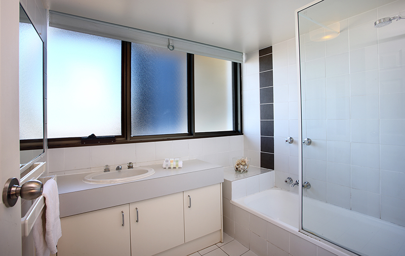 Gemini Resort Three bedroom bathroom