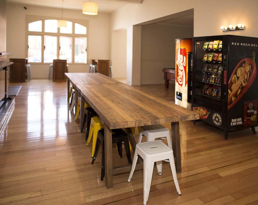 Kitchen, Dining & Lounge