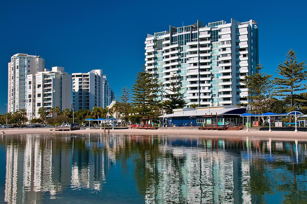 Grand Apartments have uninterrupted views of the Gold Coast skyline and lush tropical hinterland.