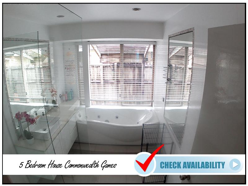 5 Bedroom House Commonwealth Games Bathroom