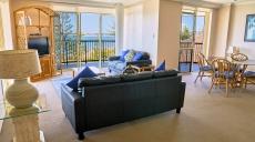 Bayview Beach Apartments Lounge