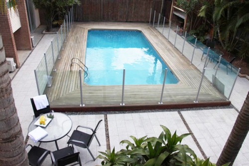 Econo lodge city star brisbane accommodation - Star city swimming pool ...