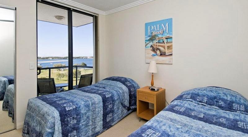 Aqualine Apartments Single Bedroom