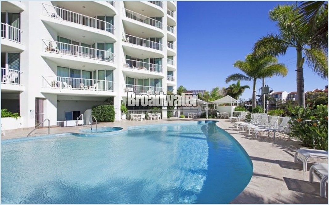 Crystal Bay Apartments Broadwater BookToday